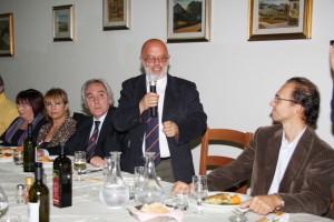il presidente dell'Accademia dello Stoccafisso all'anconitana Bruno Bravetti, il segretario Gilberto Graziosi