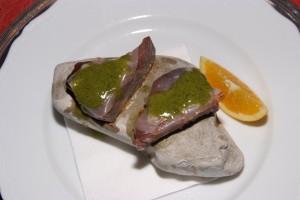 il tonno cotto alle pietre di Portonovo e olio di paccasassi